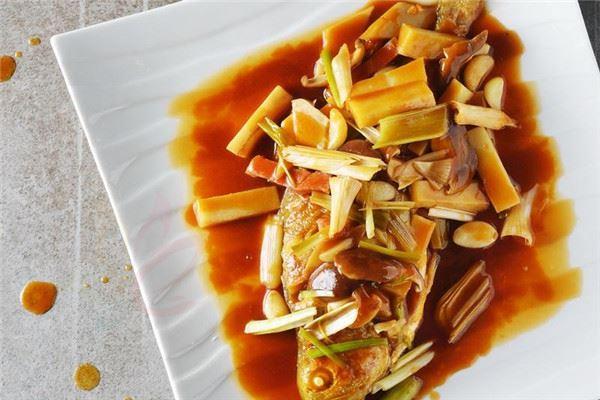 黄花鱼的家常菜做法名厨教你如何简单地做