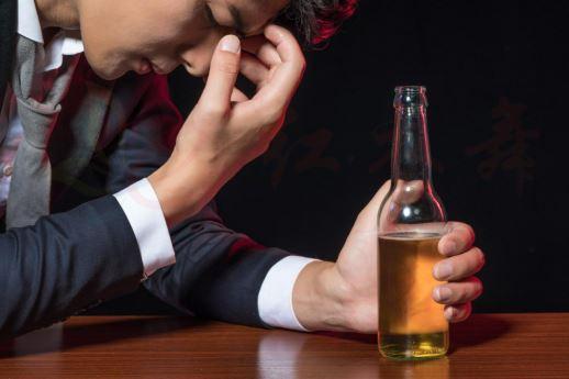 经常社交喝酒伤肝?尝尝水飞蓟怎么样?